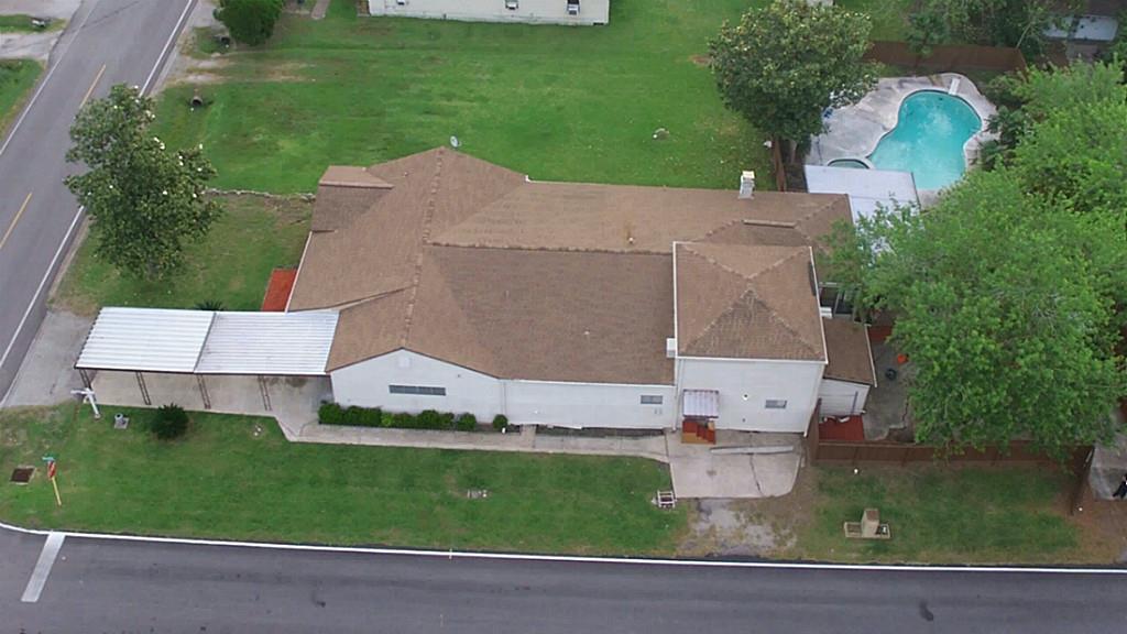 2102 Jones Rd, Baytown, TX
