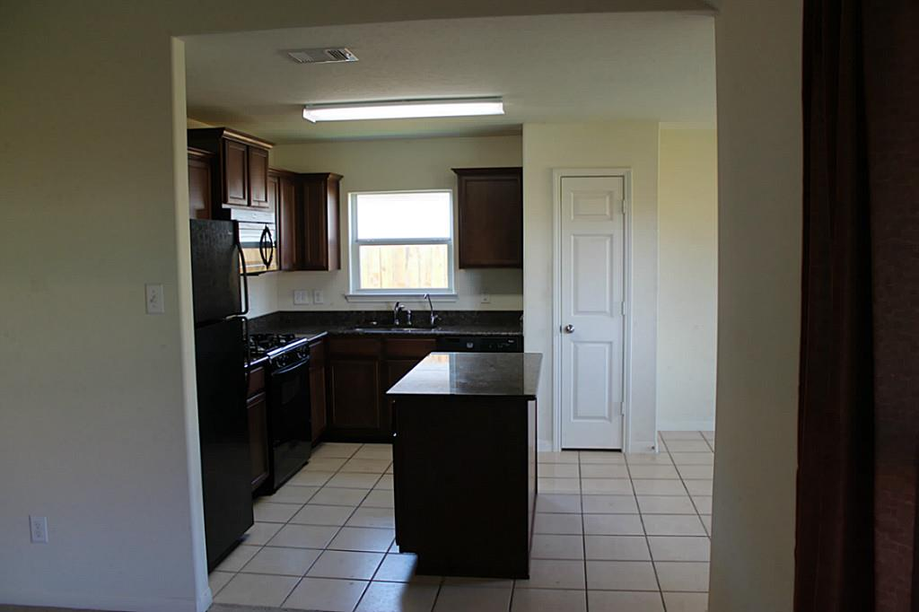 6930 Dahlia Rd, Baytown, TX