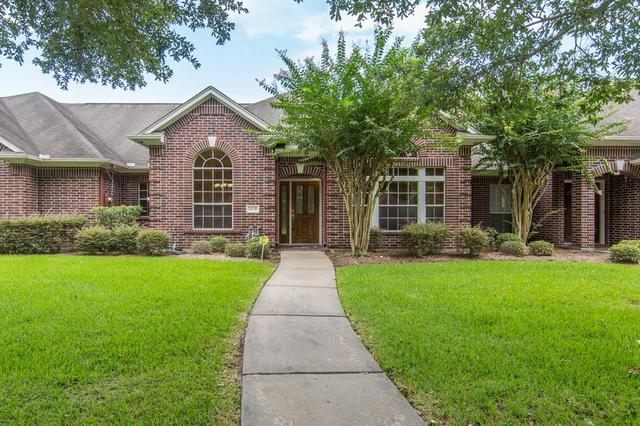 202 Clearview Ave #BFriendswood, TX 77546