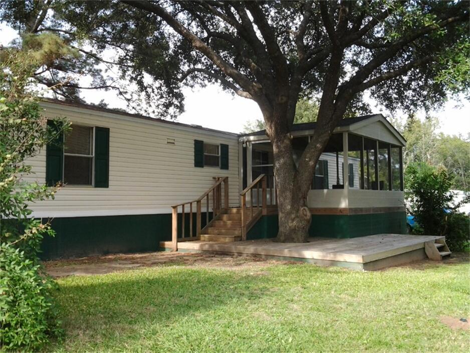 702 S Pinehill, Pinehurst, TX