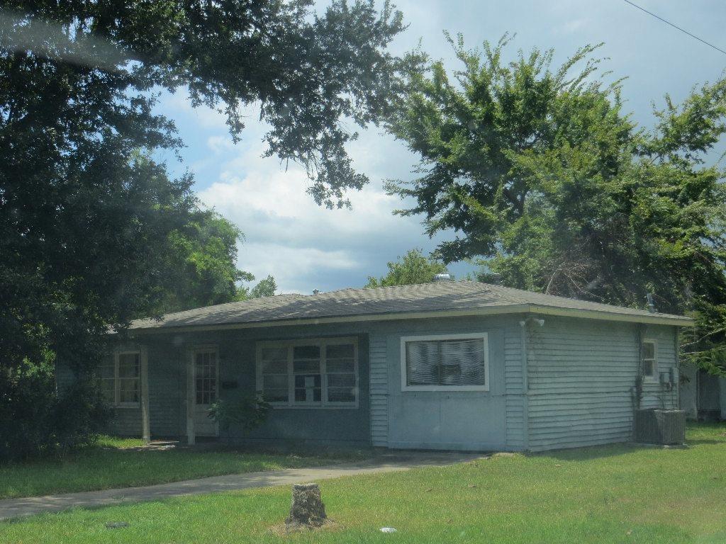 6818 E Bayou Dr, Hitchcock, TX