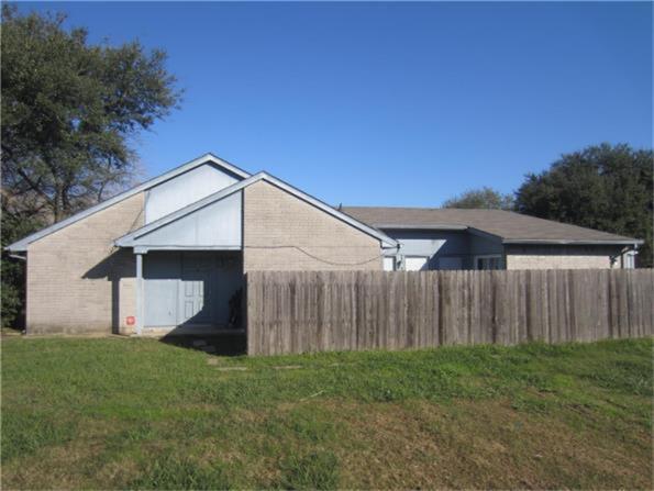 5610 Hollow Pines Dr, Houston TX 77049