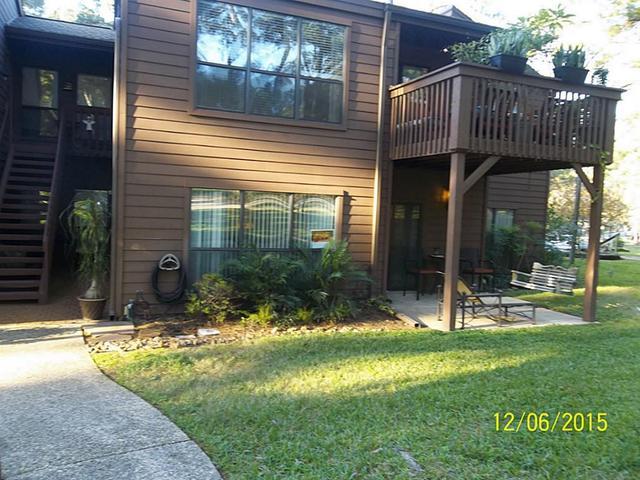 15661 Lakeway Dr #APT 13, Willis, TX