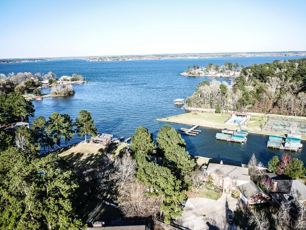 201 Lake Walden Cv, Montgomery, TX