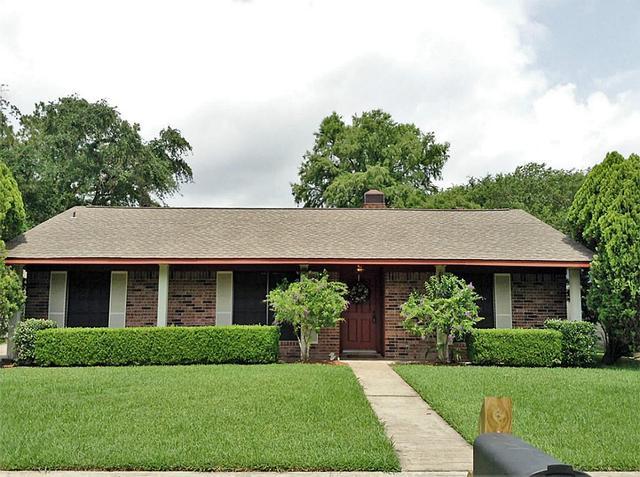 10606 Hat St, Houston TX 77099