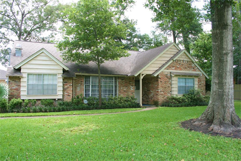 17626 Wild Oak Dr, Houston, TX