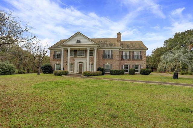 8310 Brae Acres Rd, Houston TX 77074