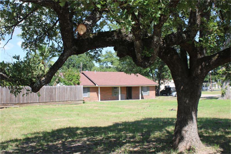 10285 Business 6, Navasota, TX