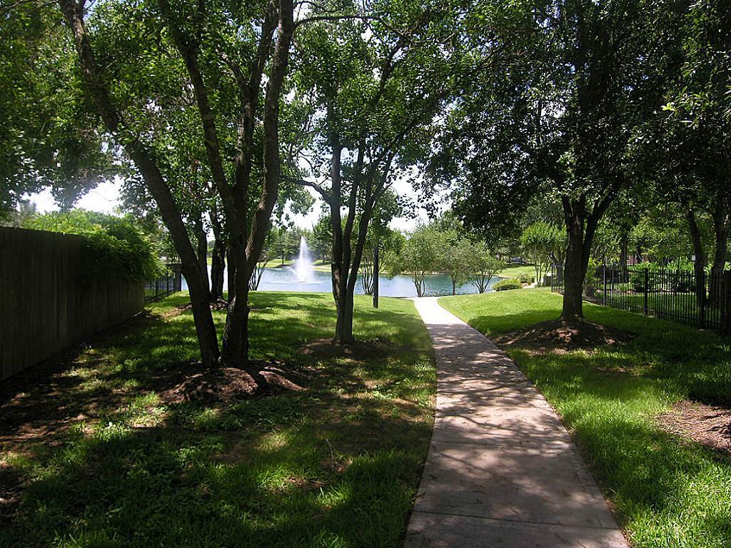 15219 Hillside Park Way, Cypress, TX