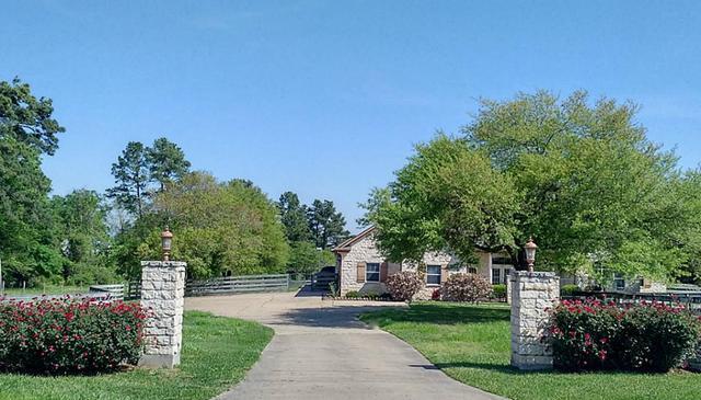 7 Hickory Lake Dr, Huntsville, TX