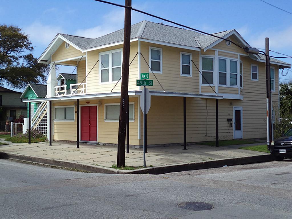 4902 Avenue Q, Galveston, TX