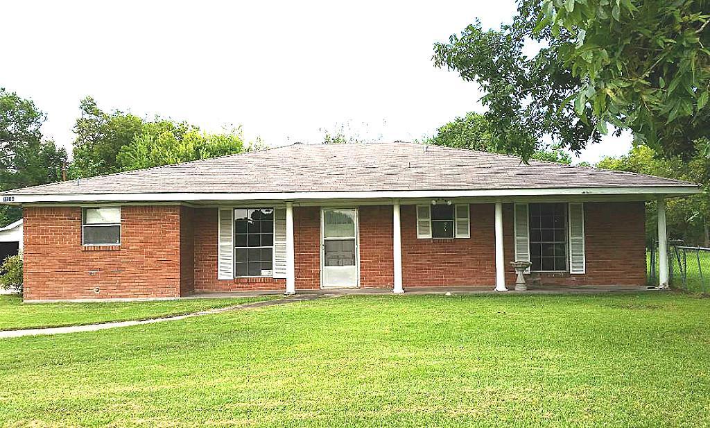 7512 Thompson Rd, Baytown, TX