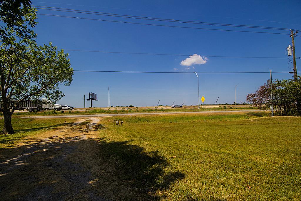 7130 E East Fwy, Baytown, TX