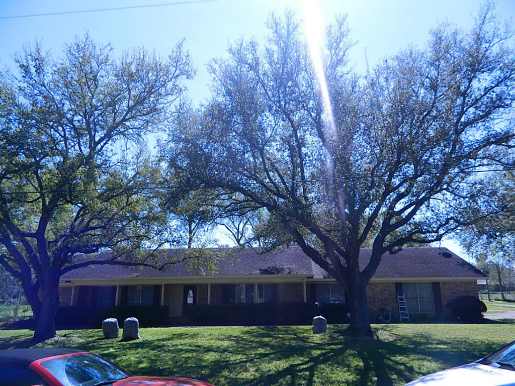 1520 Mandy Ln, Sealy, TX