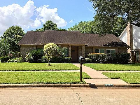 2826 Edgewood, Sugar Land, TX 77479