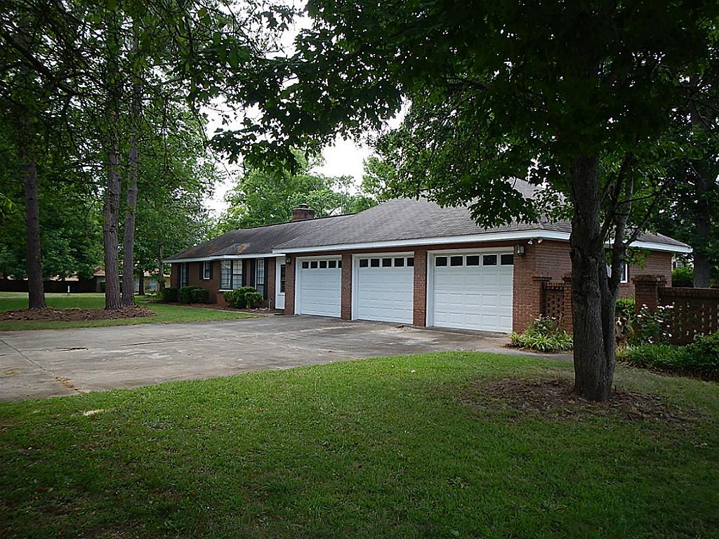 104 S Oaks, Warner Robins, GA 31088