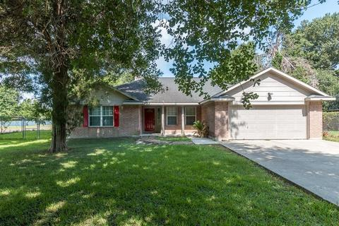11655 NW Lakeview Manor Dr, Willis, TX 77318