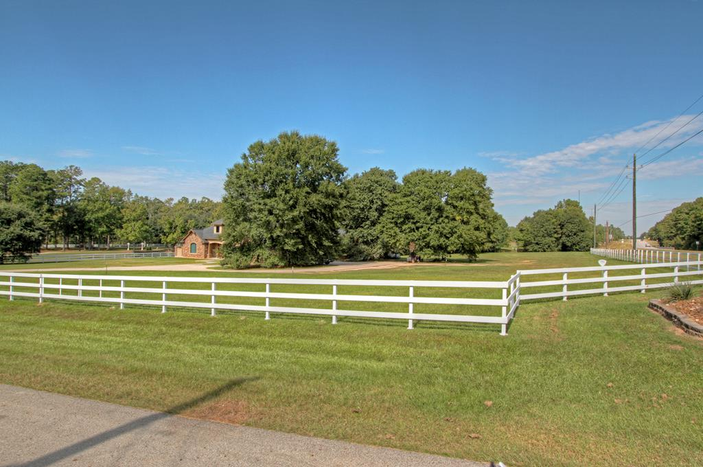 14506 Wildwood Trce, Magnolia, TX