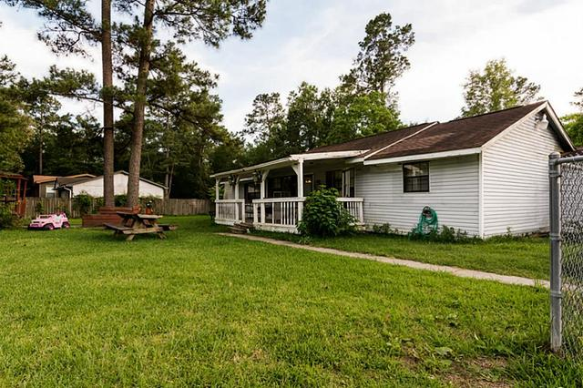 25170 Country Ests, New Caney, TX