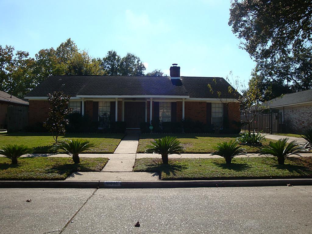 8815 Hendon Ln, Houston, TX