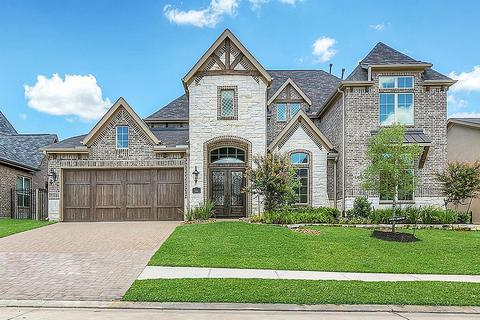 146 Oak Estates Dr, Conroe, TX 77384