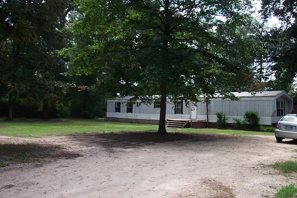 17590 Deer Glen West Dr, Conroe, TX
