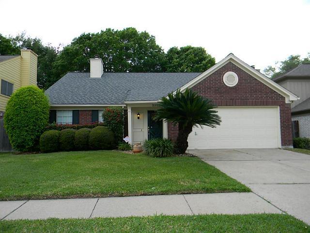 9711 Arrowgrass Dr, Houston, TX
