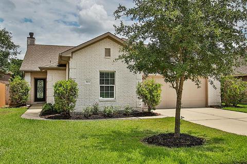 8431 Greenridge Manor Ln, Spring, TX 77389