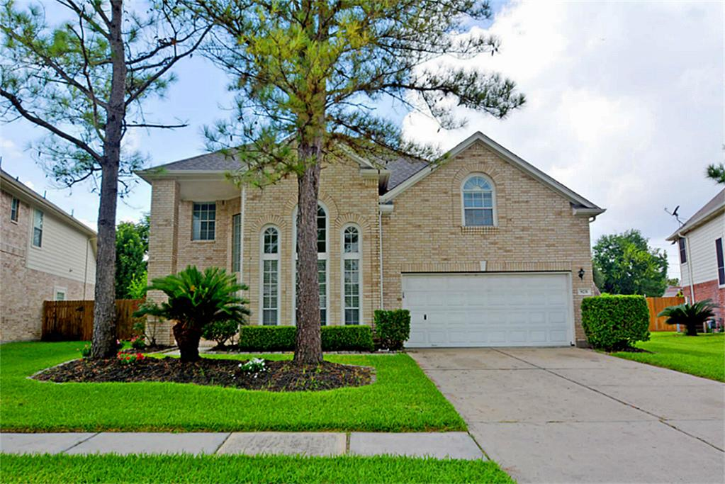9231 Willow Crossing Dr, Houston, TX