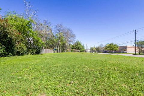 202 W 32nd St, Houston, TX 77018