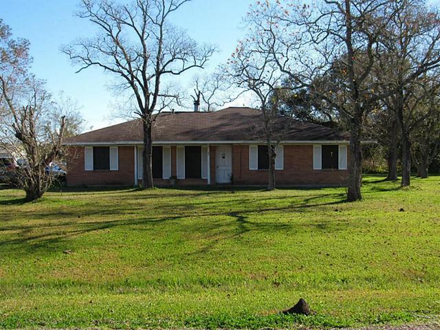 85 County Road 119d, Liberty TX 77575