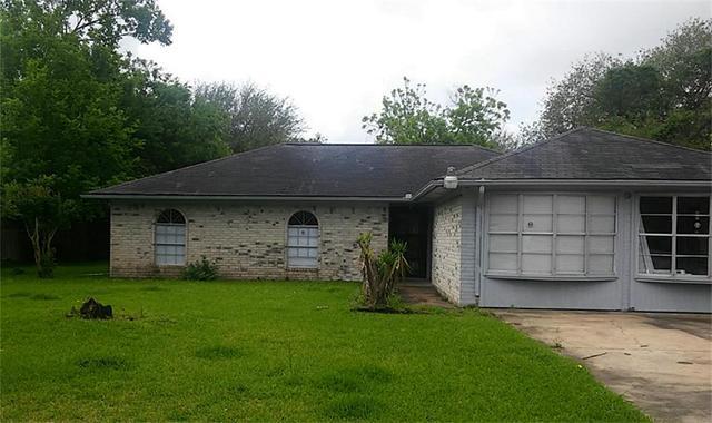 2410 Foxfire Cir, Highlands, TX