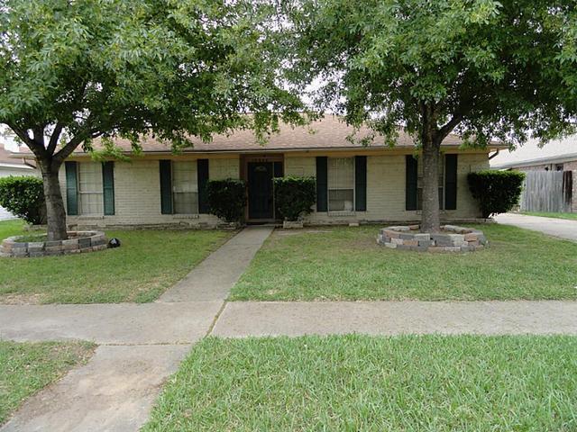 12322 SE South Dr, Houston, TX