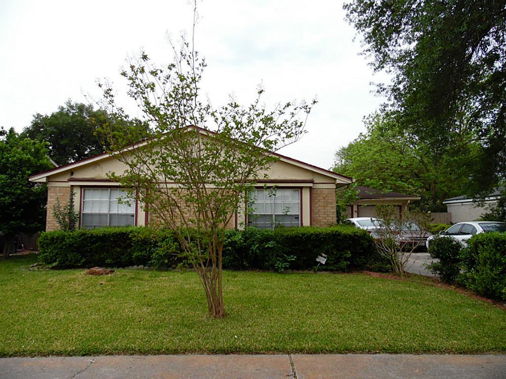 2707 Skelton Dr, Houston, TX