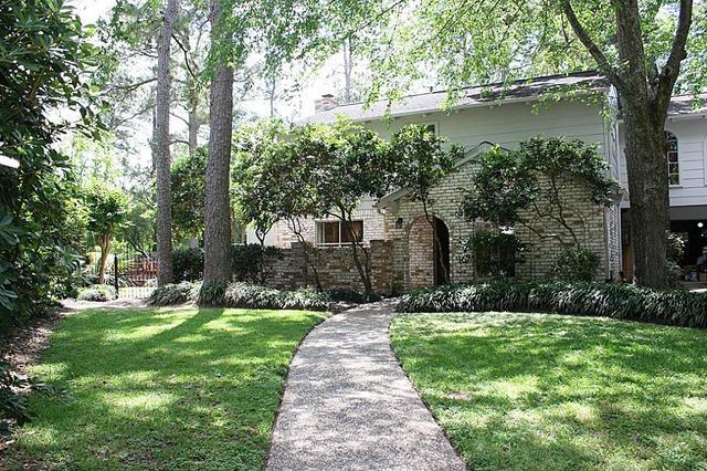 5935 Pine Arbor Dr, Houston TX 77066