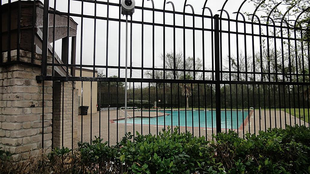 15637 Weldon #APT 15637, Houston, TX