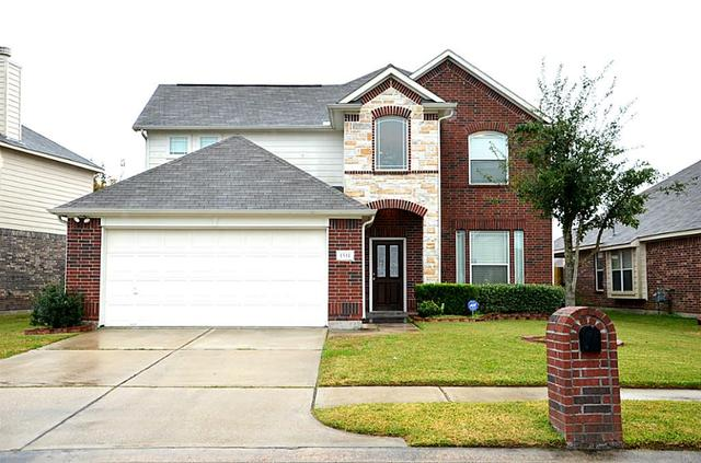 1511 Squire Dr, Baytown TX 77521