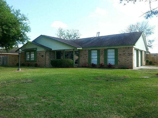 1843 W 11th StFreeport, TX 77541