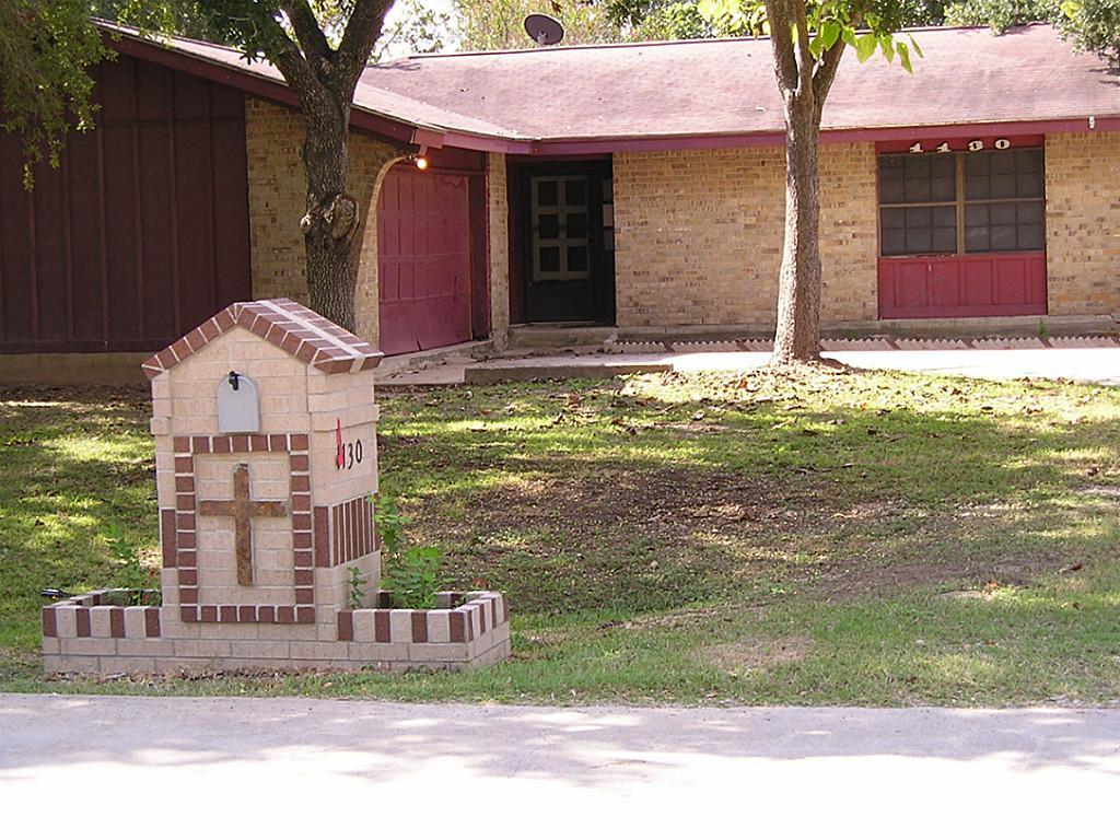 1130 W Kingston, Wharton, TX