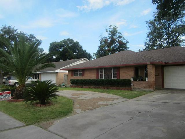 306 E Edgebrook Dr, Houston, TX 77034