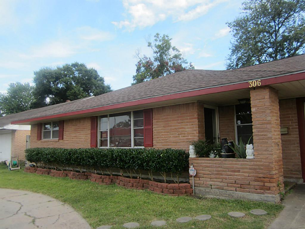 306 E Edgebrook Drive, Houston, TX 77034