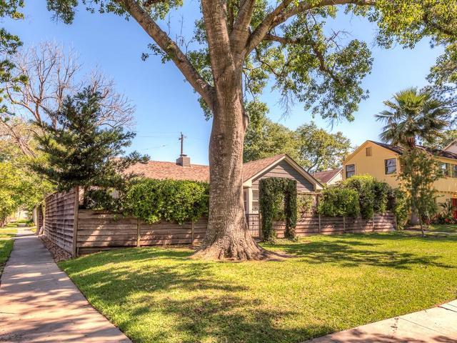 2228 Addison Rd, Houston, TX