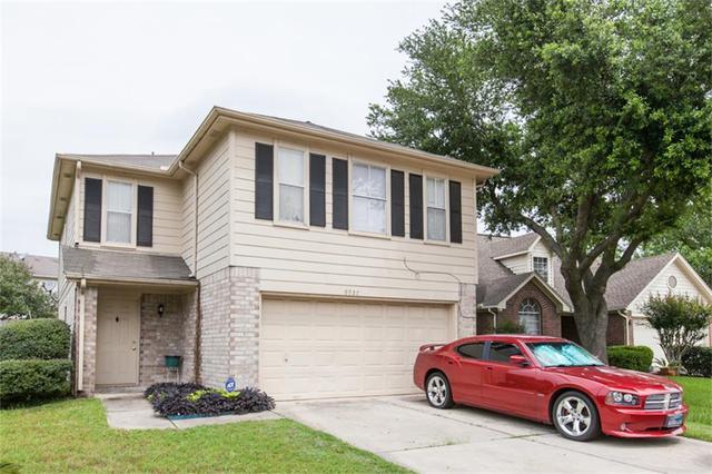 9027 Winnsboro Dr, Houston, TX