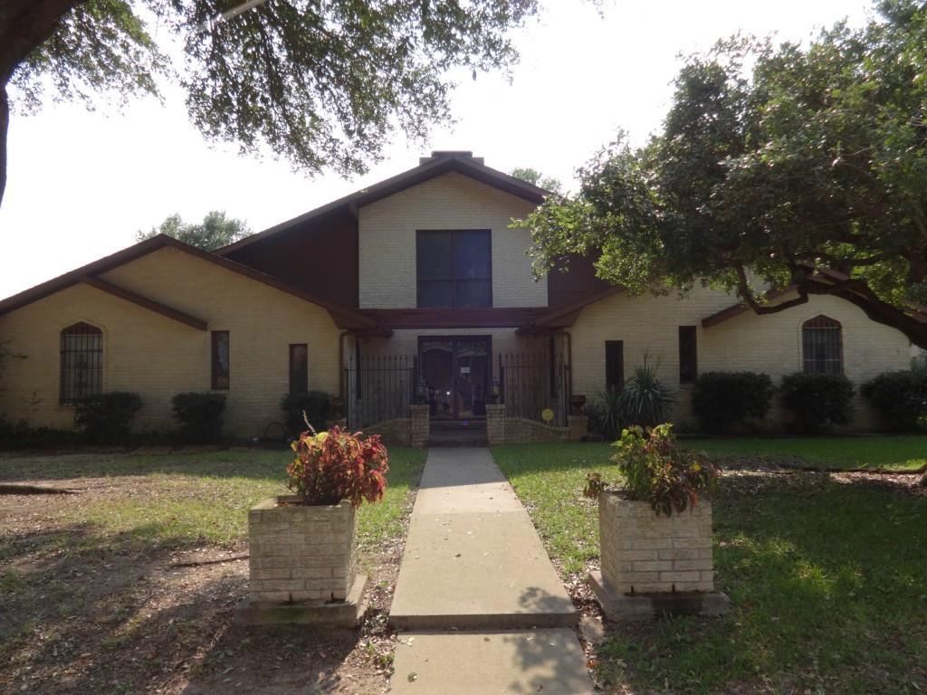 210 Morningside Dr, Mexia, TX