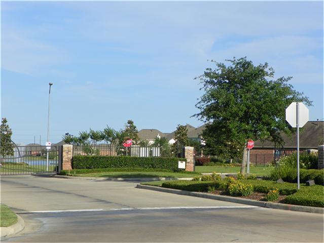 26010 Chapman Falls Dr, Richmond TX 77406
