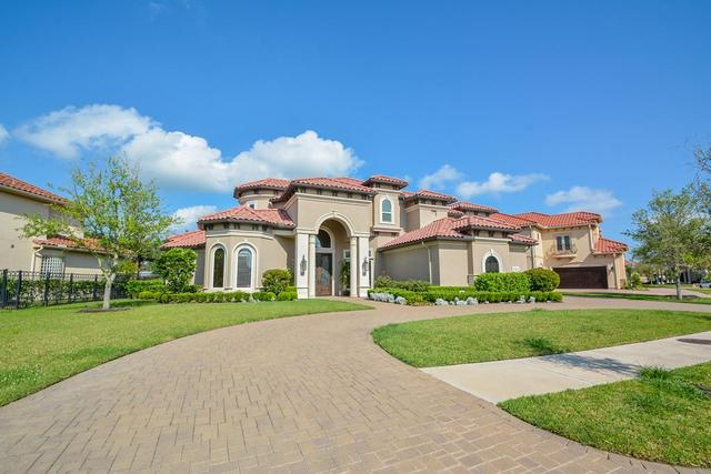 13 Miramar Heights Cir, Sugar Land, TX