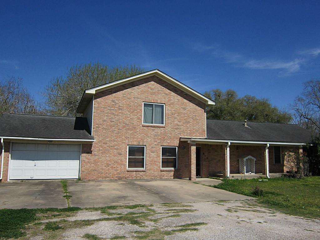 817 E Belle, Wharton, TX