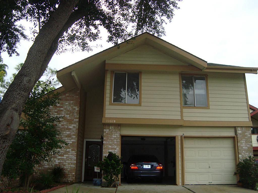 13510 Hollowgreen Ct, Houston, TX