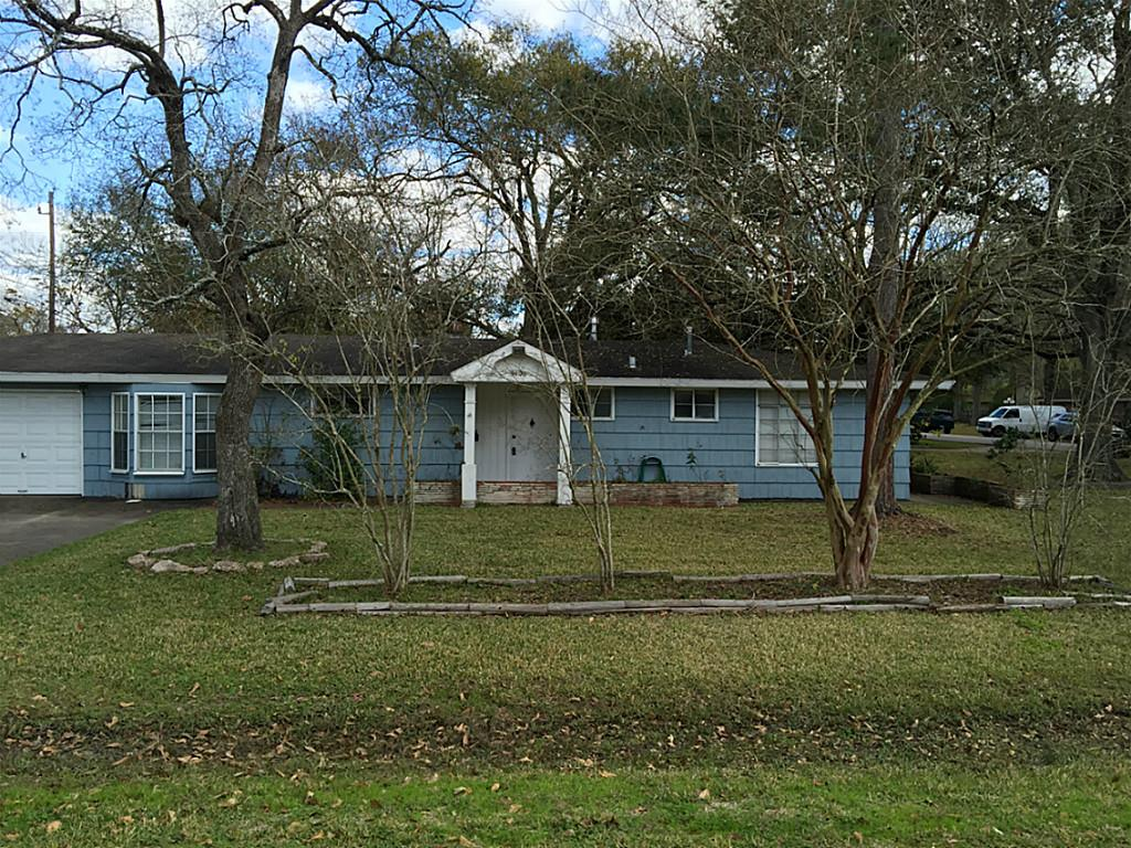 9400 Spring Branch Dr, Houston, TX