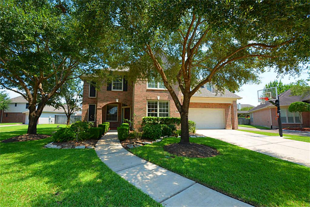 8534 Chipping Rock Dr, Sugar Land, TX